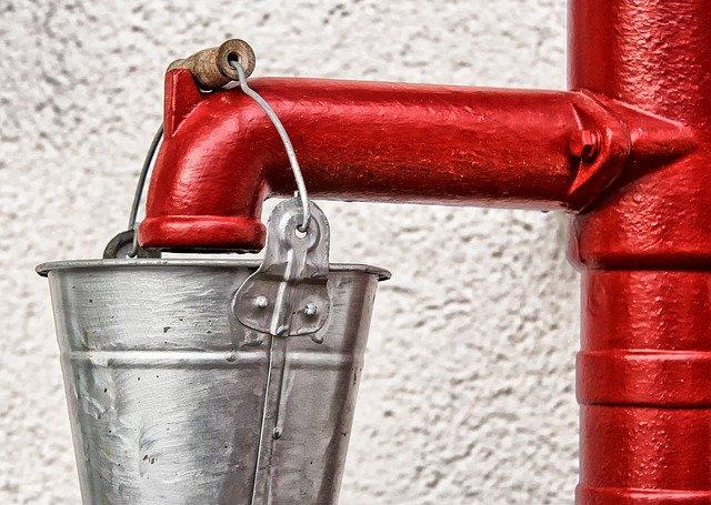 Bøtte med vann- vindusvask