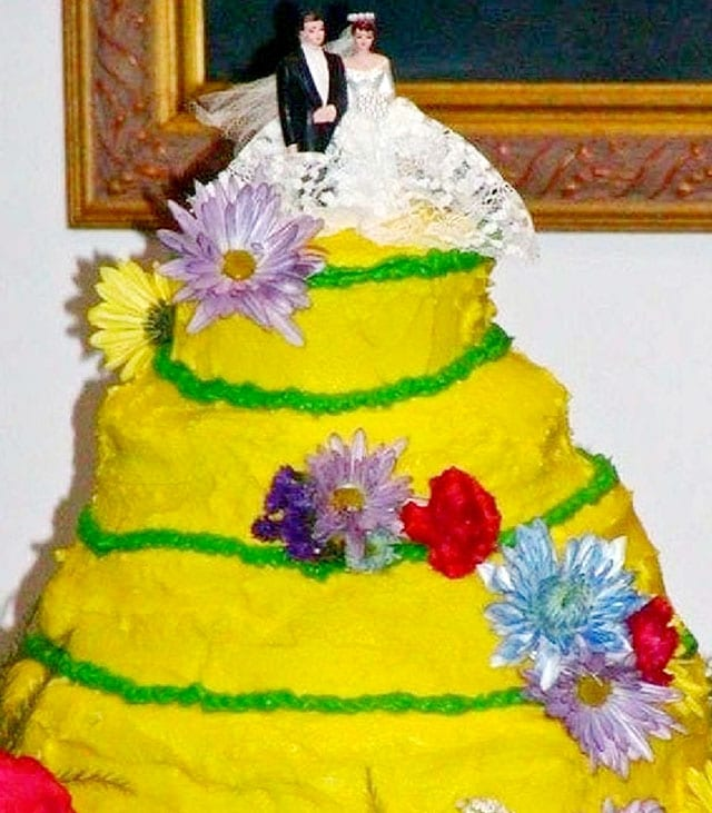 Wedding cake yellow